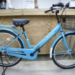 カゴがとても大きくて、サドルが柔らかくて、ブレーキがキーキー鳴らなくて、内装3段ギア付きで、ライトが自動で点灯する個性的な自転車、ターボラバーの新色です